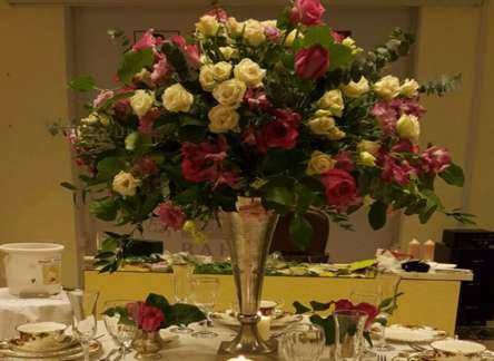 Dinner Table Arrangement